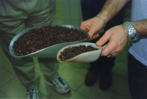 Daniele showing the two different beans and percentage used in their blends